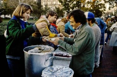 Volunteer For Thanksgiving